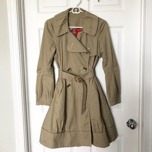 Jackets & Blazers - Adorable trench coat size P/S